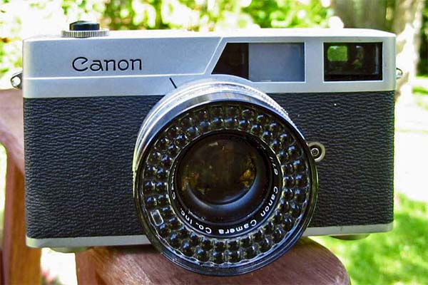 Canon Canonet 35mm rangefinder camera